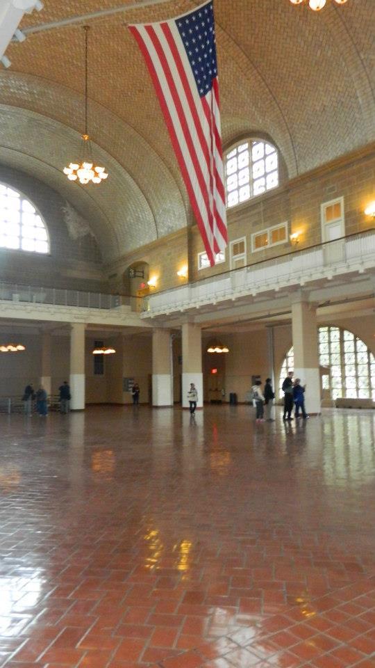 Ellis Island gran salón de espera a los inmigrantes permanecerá cerrado para la temporada de reapertura de la Estatua de la Libertad. Foto Nueva York Digital