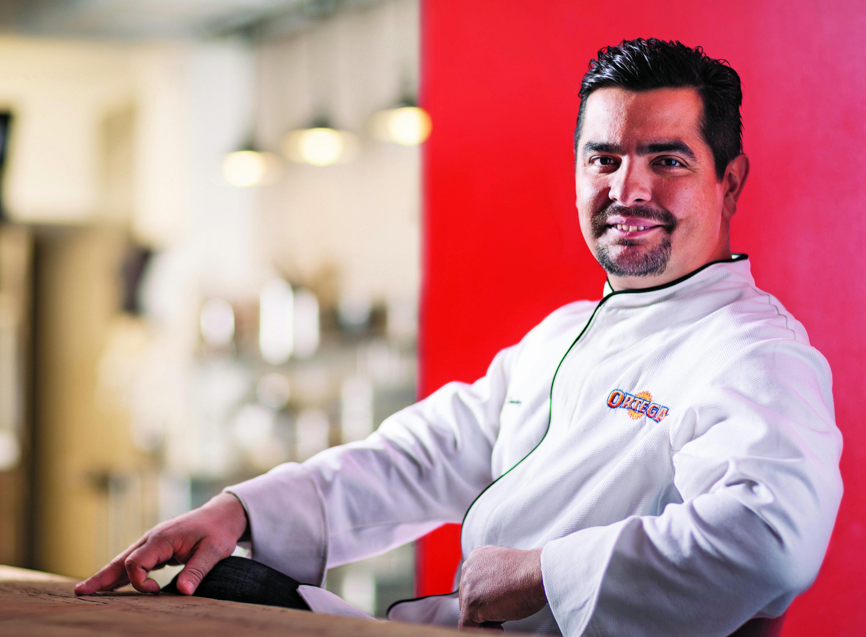 Chef de los famosos Aarón Sánchez comparte secretos