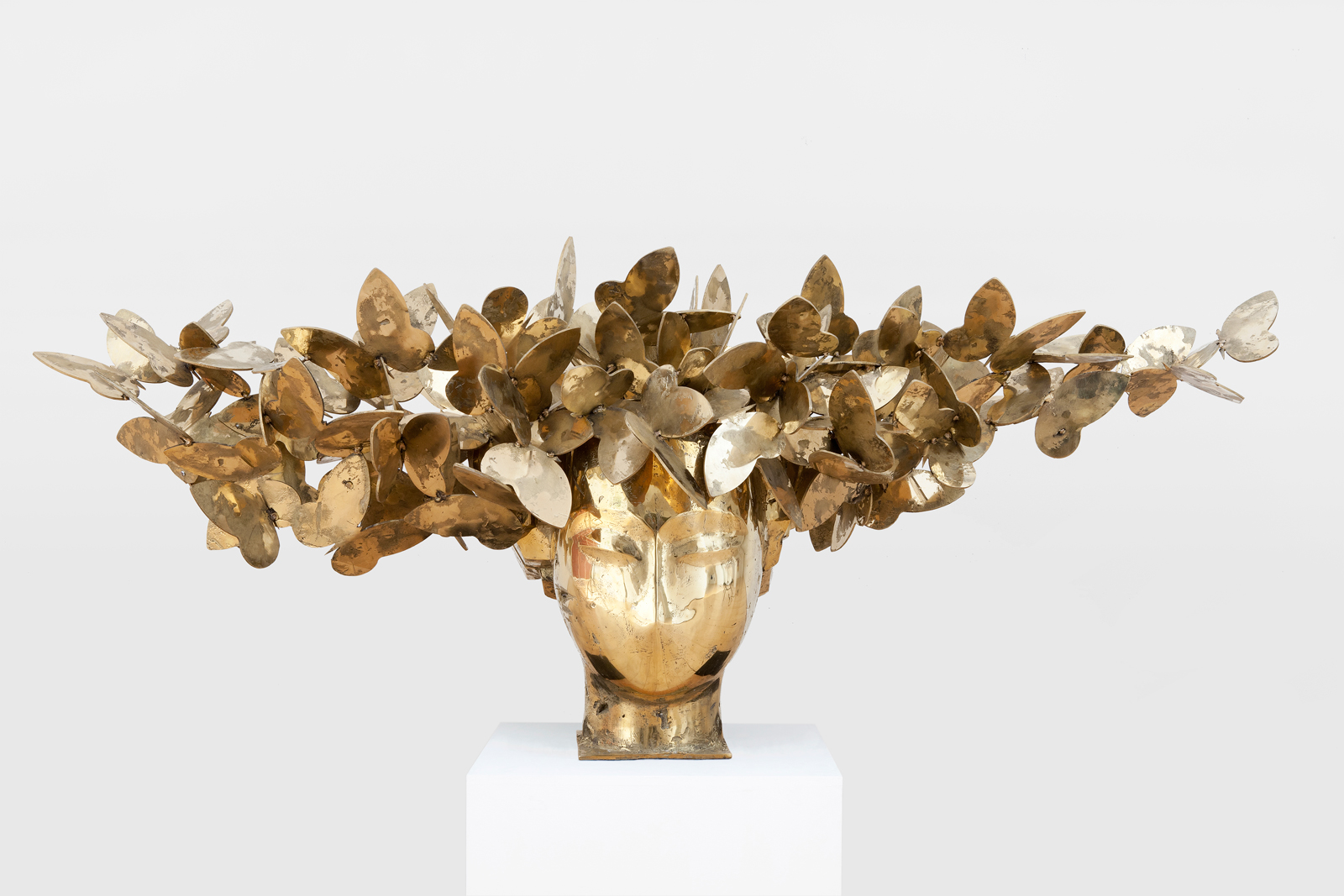 Manolo Valdes, Mariposas dorados IV, 2011. 99.06 x 243.84 x 91.44 cm. Brass. Download