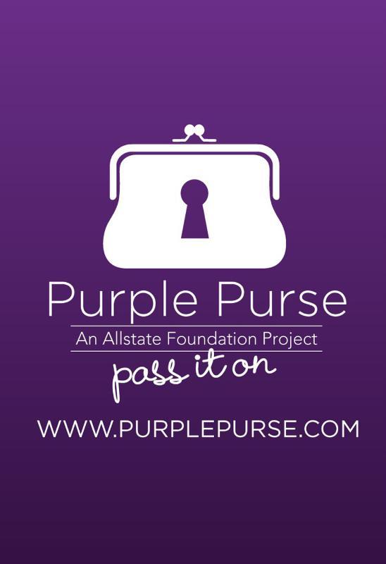 THE ALLSTATE FOUNDATION PURPLE PURSE Rosario Dawson en Nueva York promocionando la campaña contra la violencia domestica.